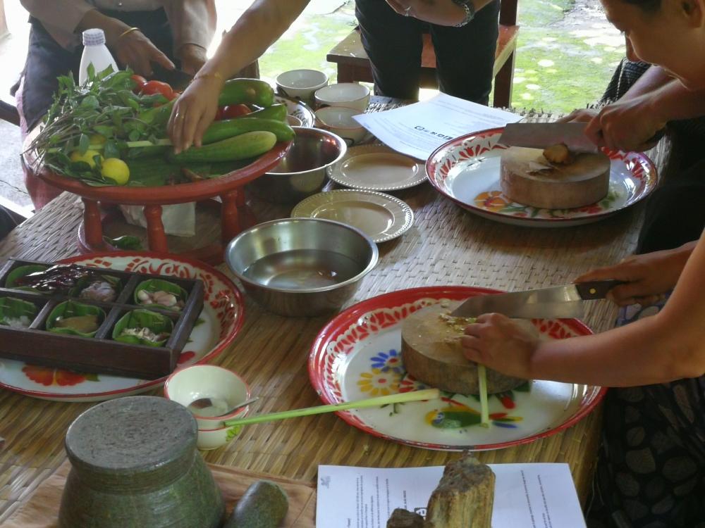 Cours de cuisine tha landaise chez l 39 h te chiang mai - Cuisine thailandaise traditionnelle ...