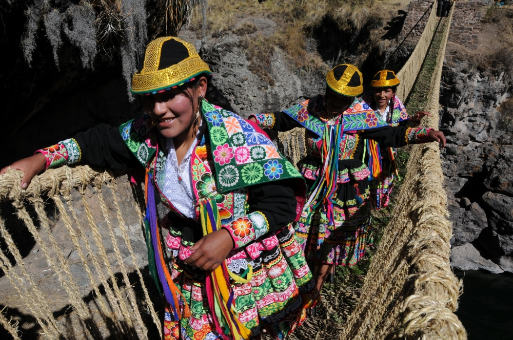Pérou - Découverte du dernier pont inca Qeswachaka et de la Cordillera Arc en Ciel de Palcoyo