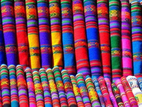 tissu coloré du pérou voyage au pérou