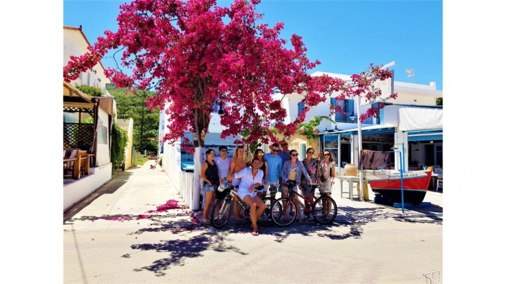 Athens to Agistri, Moni, Poros and Love Bay Full-Day Yacht Tour