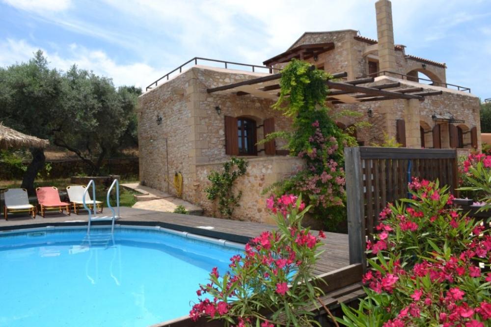 Crete: Drys Villas Complex in Xirokampi