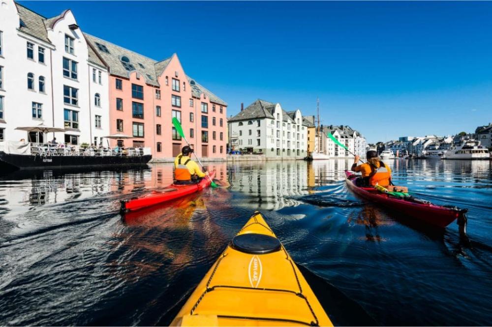 Sea Kayaking Tour In Ålesund, Norway