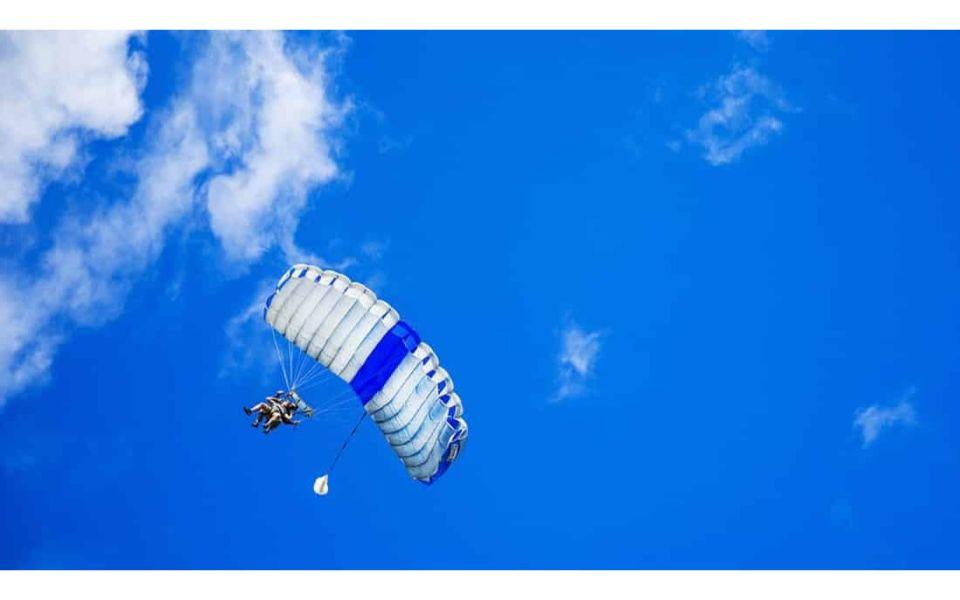 Madrid Skydiving: Tandem Skydiving Near Madrid