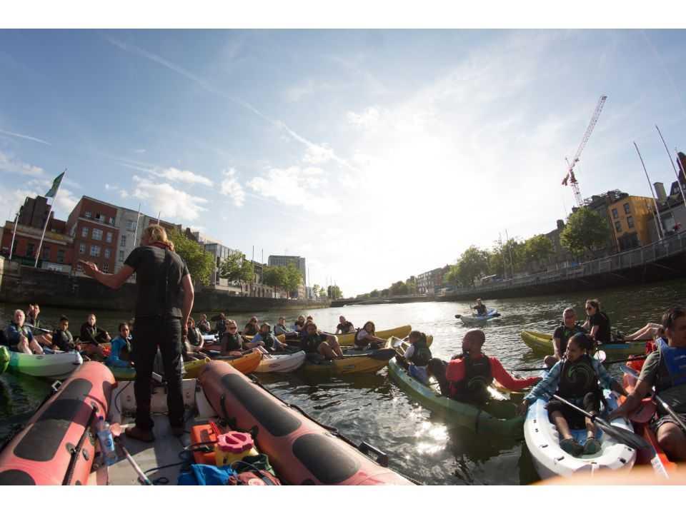 Dublin Kayaking: 2-Hour Dublin City River Liffey Kayaking Tour