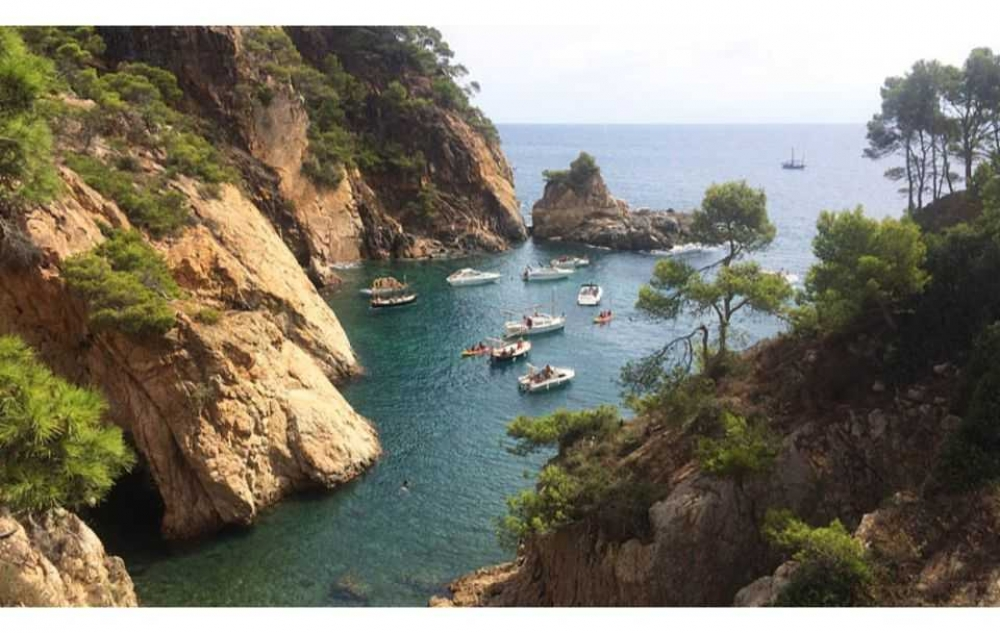 From Barcelona: Full-day Hiking Tour in Costa Brava