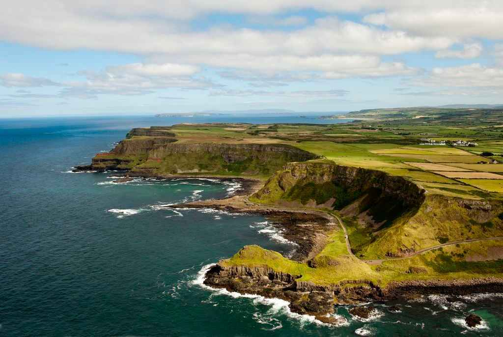 Belfast to Giants Causeway: Full-day Giants Causeway & Carrick-A-Rede Rope Bridge Tour from Belfast