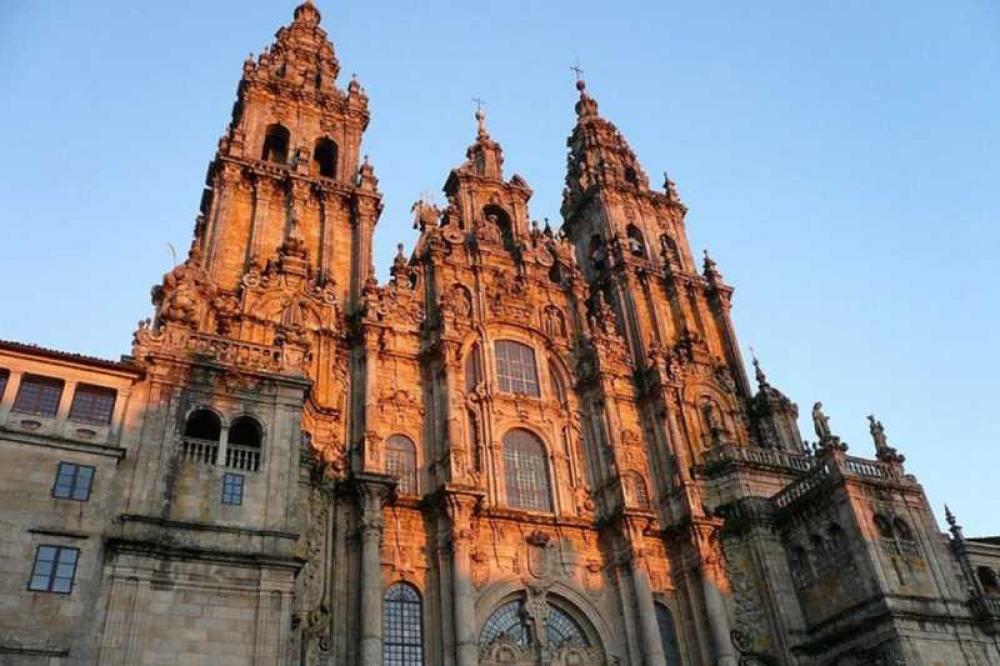 From Porto: Santiago de Compostela & Viana do Castelo Full ...