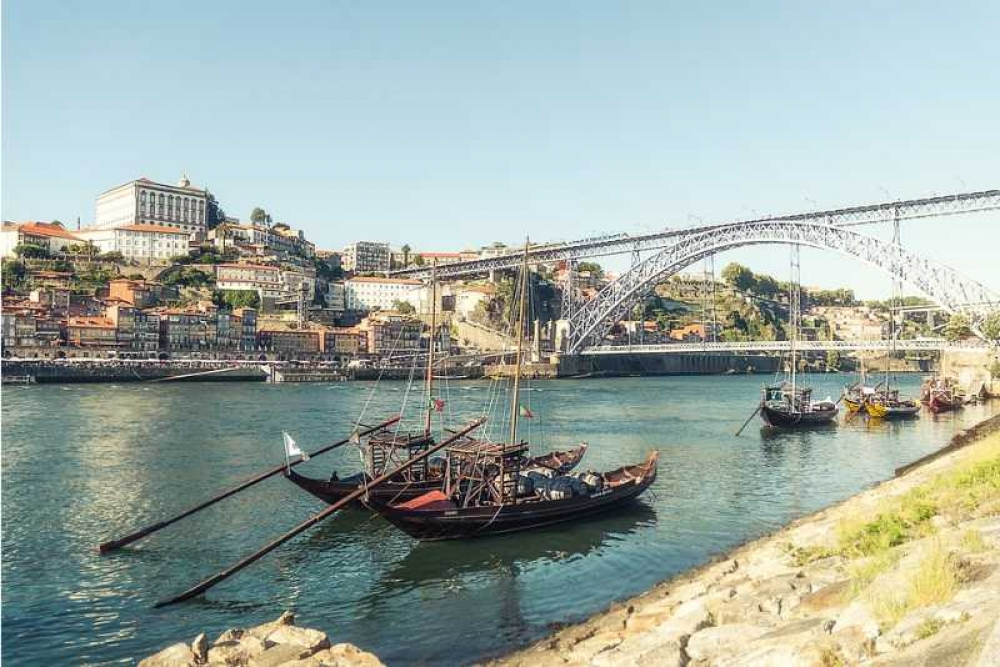 Porto City Small Group Full Day Tour with Wine Tasting River Cruise & Lunch