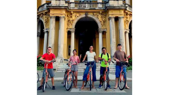 Zagreb Bike Tour: 3-hour Zagreb Highlights by Bike
