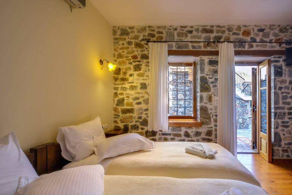 Eos Traditional Guesthouse