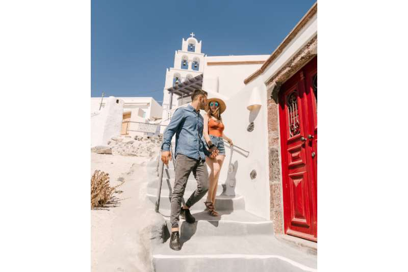 Santorini Tour: Private Full-Day Tour Around the Island of Santorini