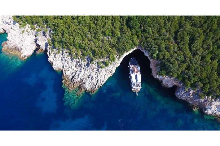 Corfu Boat Trip: Boat Trip to Parga, Sivota Islands & Blue Lagoon with BBQ