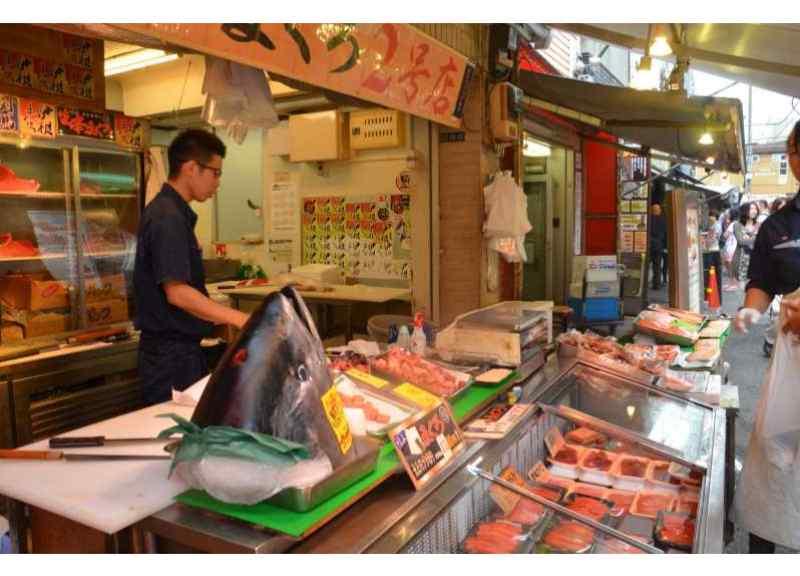 Tsukiji Fish Market: 3-hour Tokyo Tsukiji Fish Market Breakfast Tour