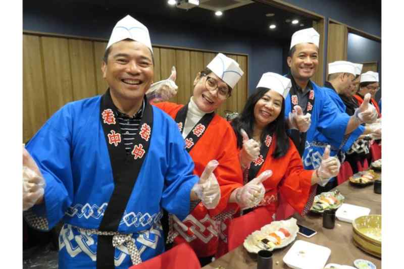 Sushi Making Class in Tokyo by a Professional Sushi Chef