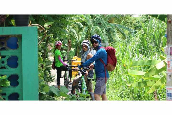 Bangkok Bike Tour: Bike & Canal Ride Tour with Lunch