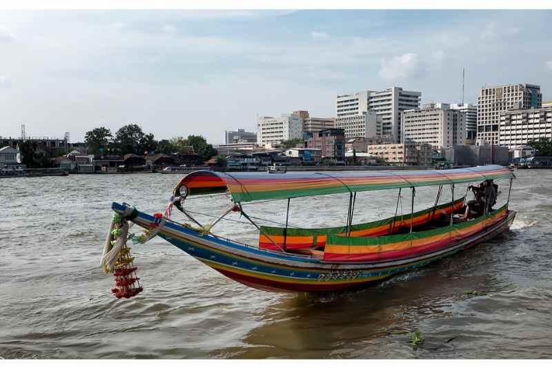 Bangkok Wat Arun, Royal Barge & Longtail Boat Tour