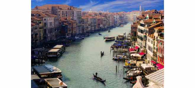 Water Taxi Venice Airport: Marco Polo Airport Transfer to Venice by Shared Water Taxi