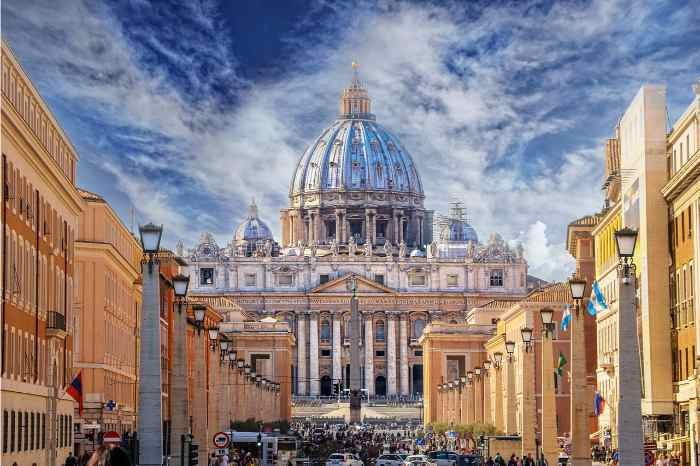Vatican Museums Tour: 3-hour guided tour in the Vatican Museums and St Peter's Basilica