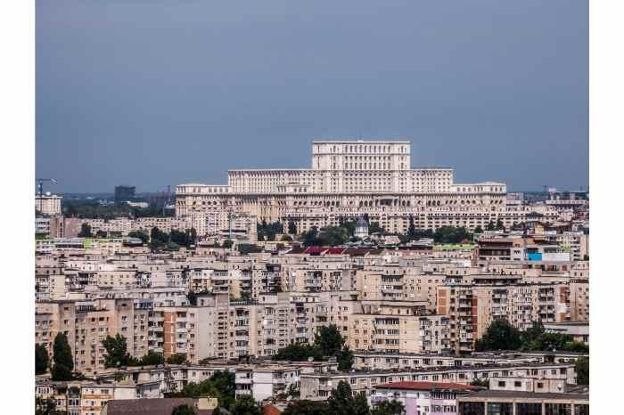 Bucharest Cycling Tour: Half-day Communist Bucharest Cycling Tour