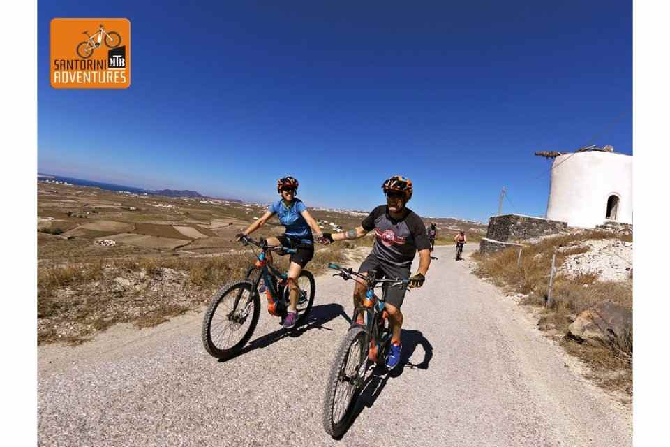 Santorini Bike Tour: Half-day eBike Tour around Southern Santorini