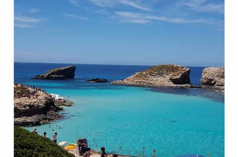 Gozo Tours: Gozo Jeep Tour & Comino Cruise with Buffet Lunch & Wine