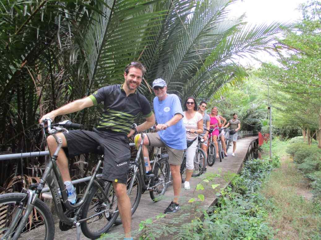Bangkok Biking: 5-hour Bangkok Bike Tour