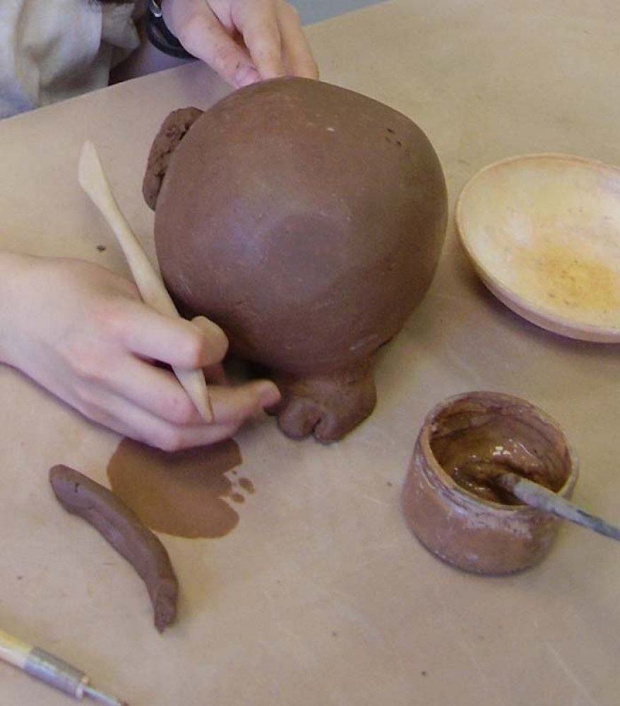 Atelier de modelage poterie