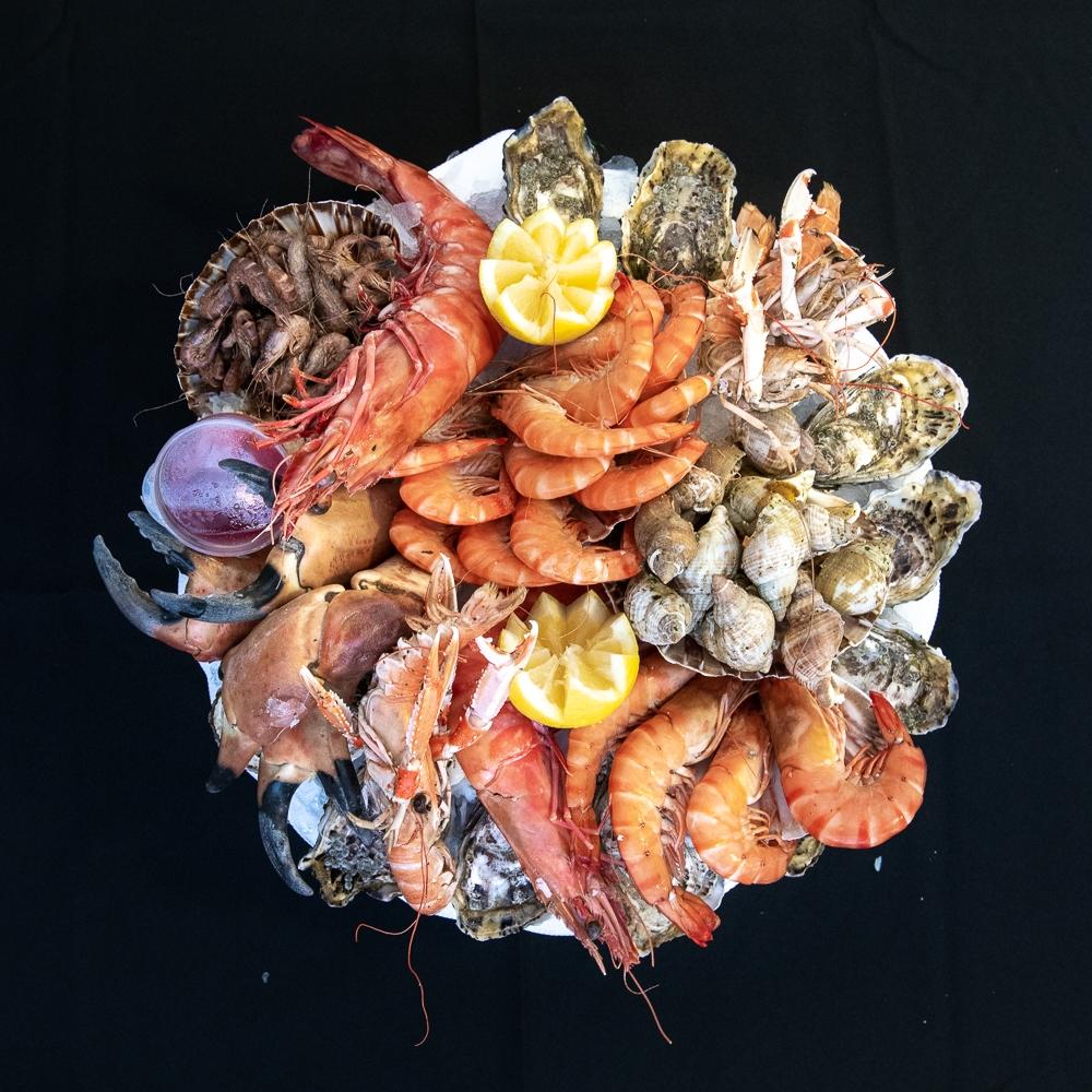 """Plateau de fruits de mer \""""Royal\"""" de la maison Dupuis (prix par personne)"""