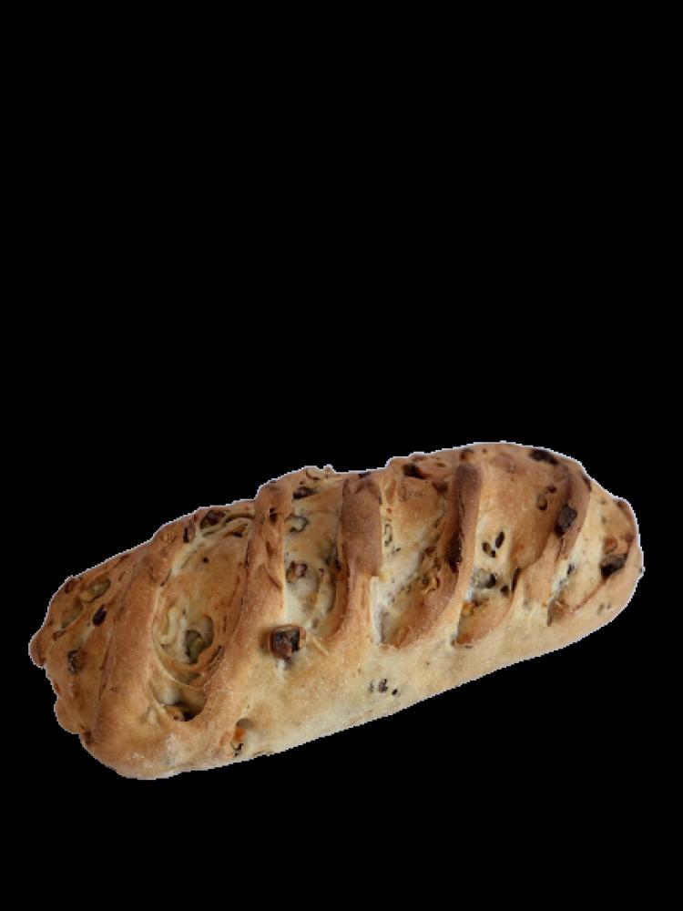 Le pain aux noix tranché