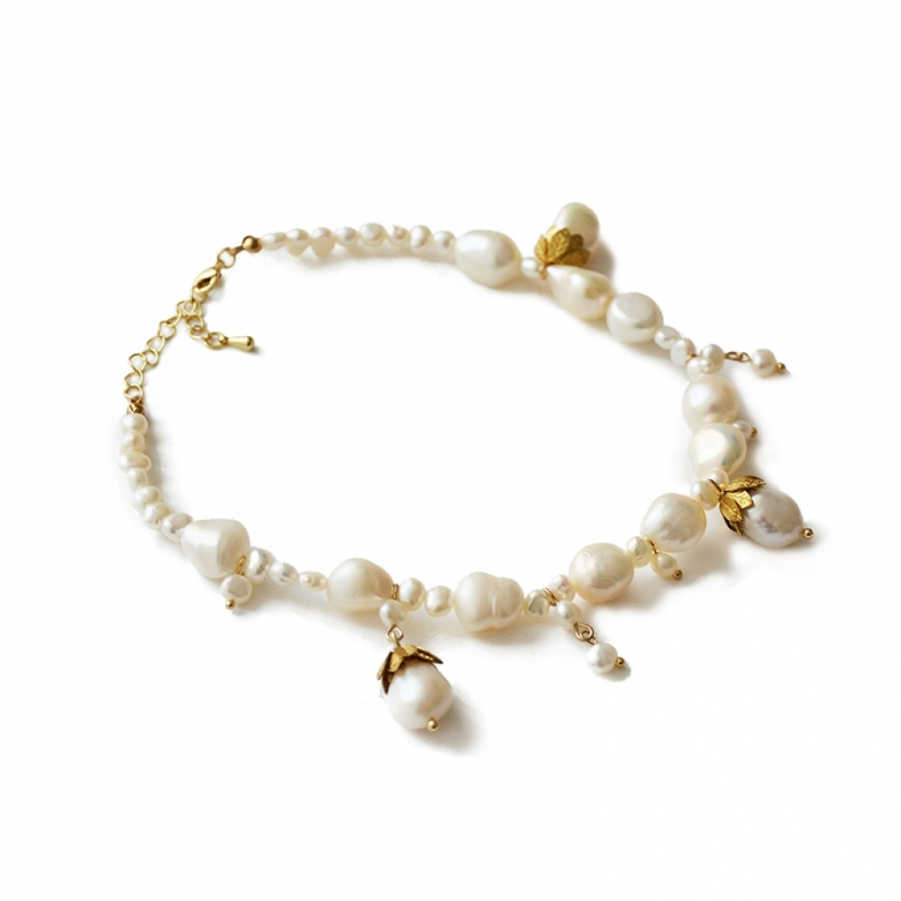 Le Choker perles blanches Muse