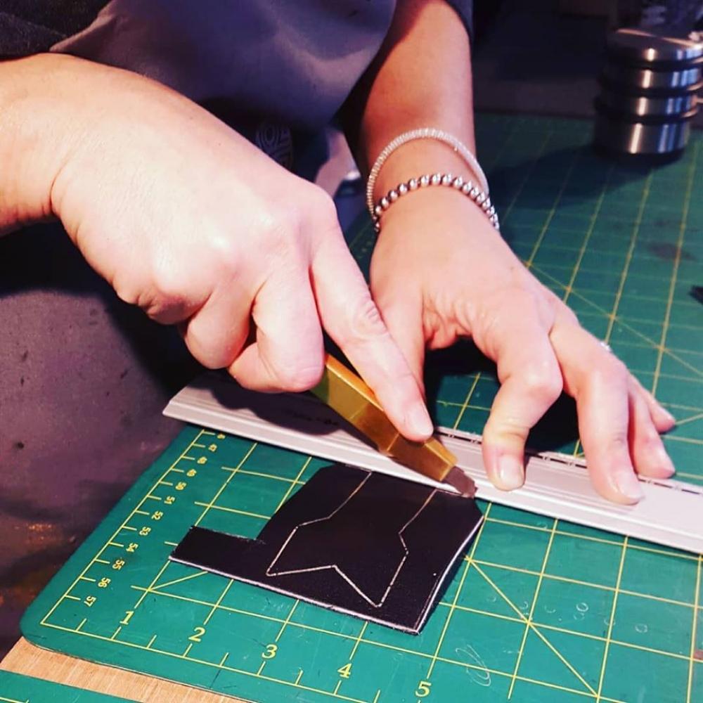 Atelier Cuir: Confection d'un Sac demi lune