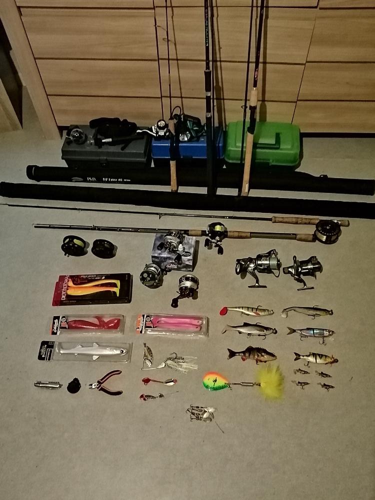 Gros lot matériels articles de pêche neuf/occasion pêche à la mouche moulinet casting spinning leurre caméra