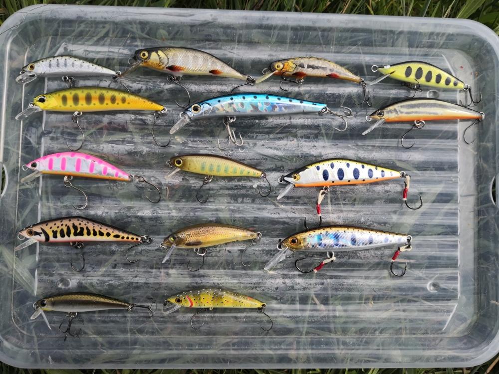 Lot de poisson nageurs à truite en très bon état