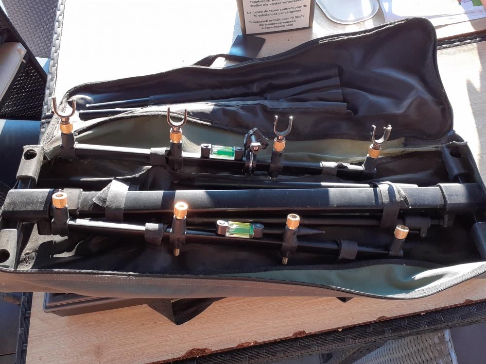 Ensemble de 4 lancés ,4 moulinets et detections