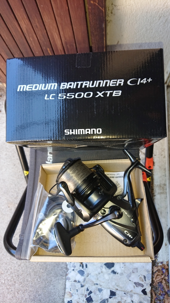 Vends moulinet Shimano Medium Baitrunner CI4+ XT-B LC 5500