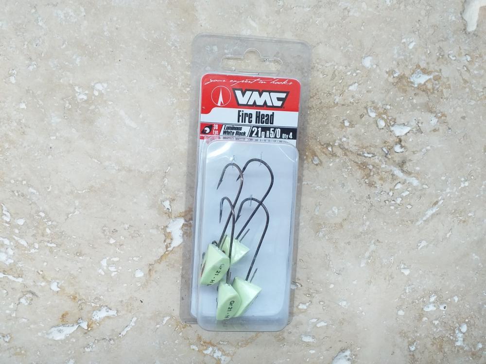 Têtes plombées fire head VMC 21gr h5/0 luminous white black