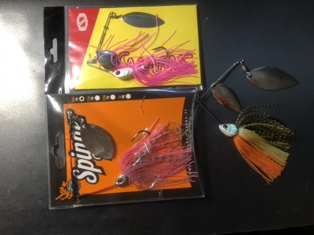 Lot spinnerbait