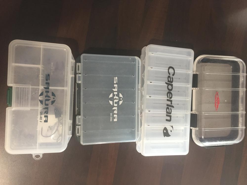 Lot de boîtes à leurres