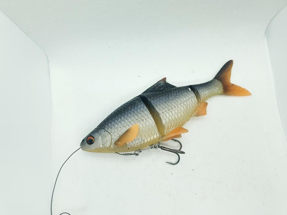 Savage gear Line thru roach 18cm - 86g