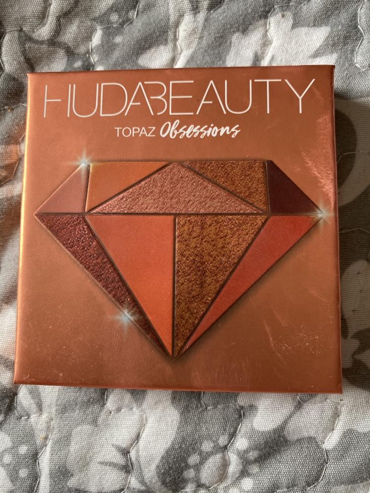 Paleta de ojos Huda beauty topaz
