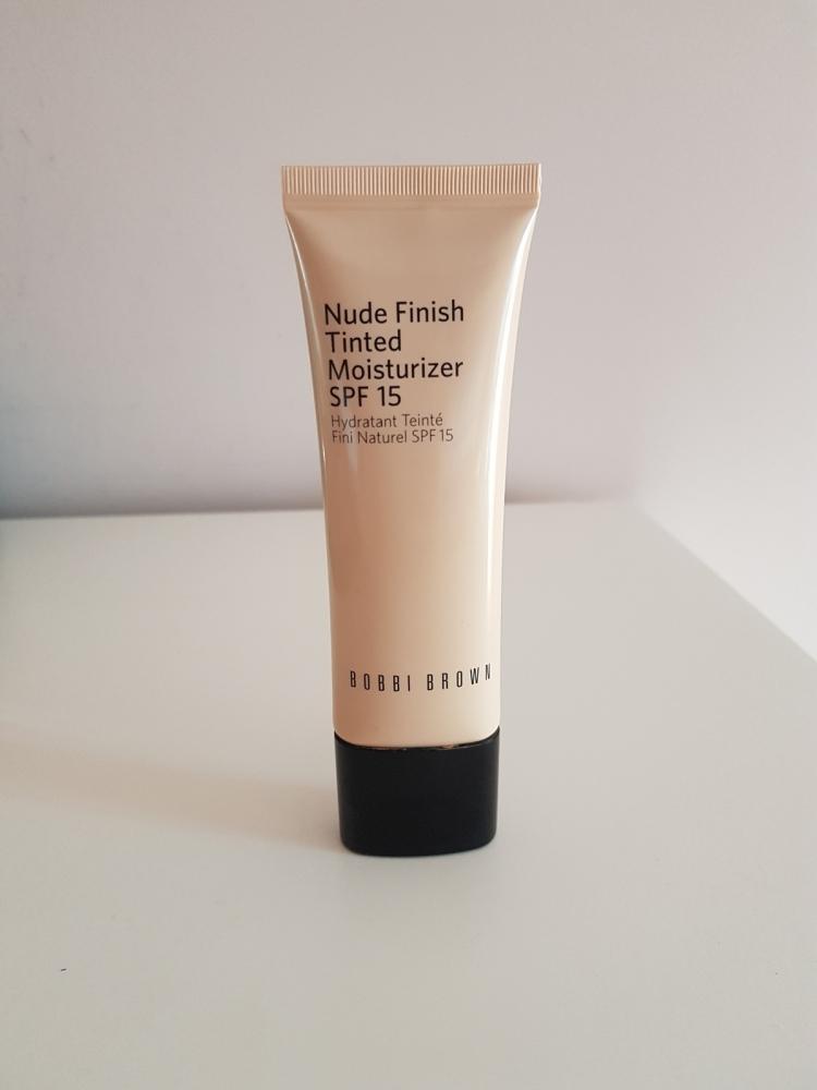 Bobbi Brown Nude Finish Tinted SPF 15 - Medium