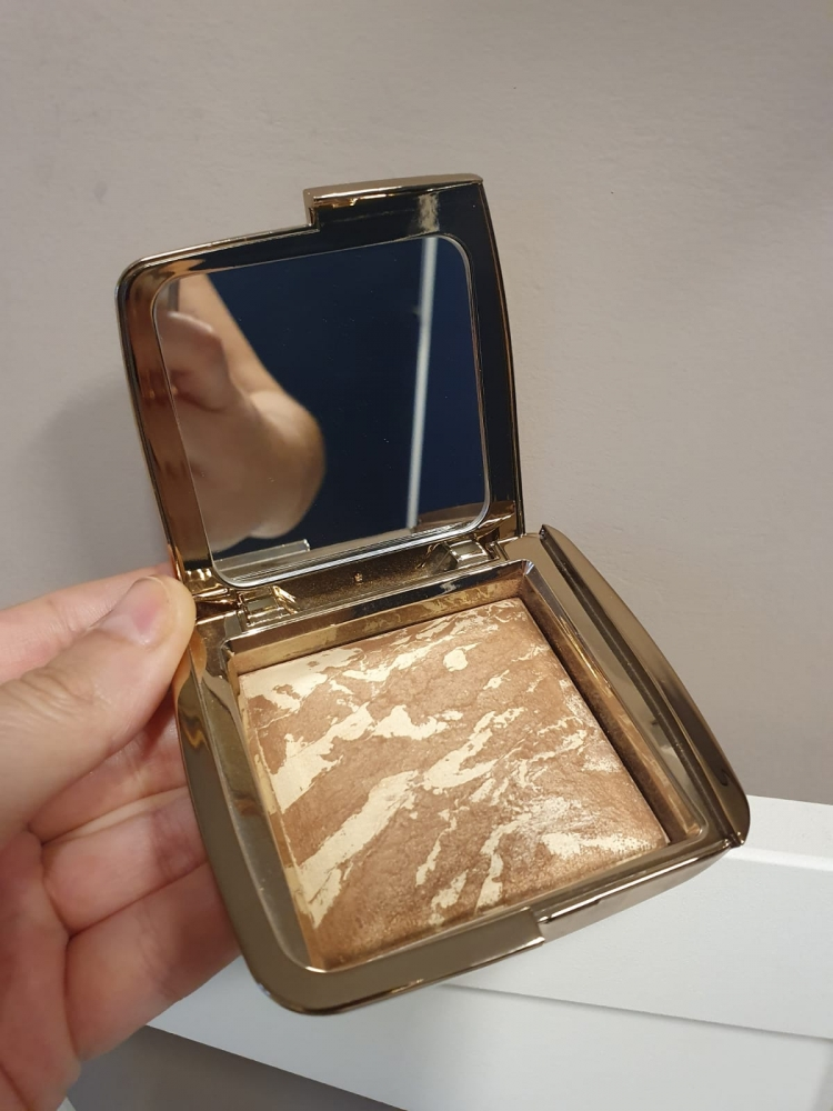 Hourglass Ambiente Lighting Bronzer Diffused