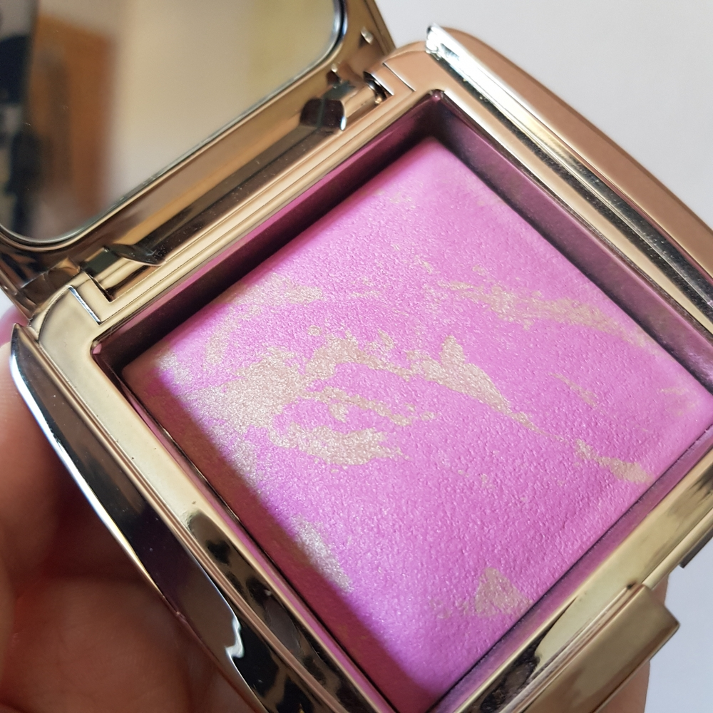 Hourglass Radiant Magenta