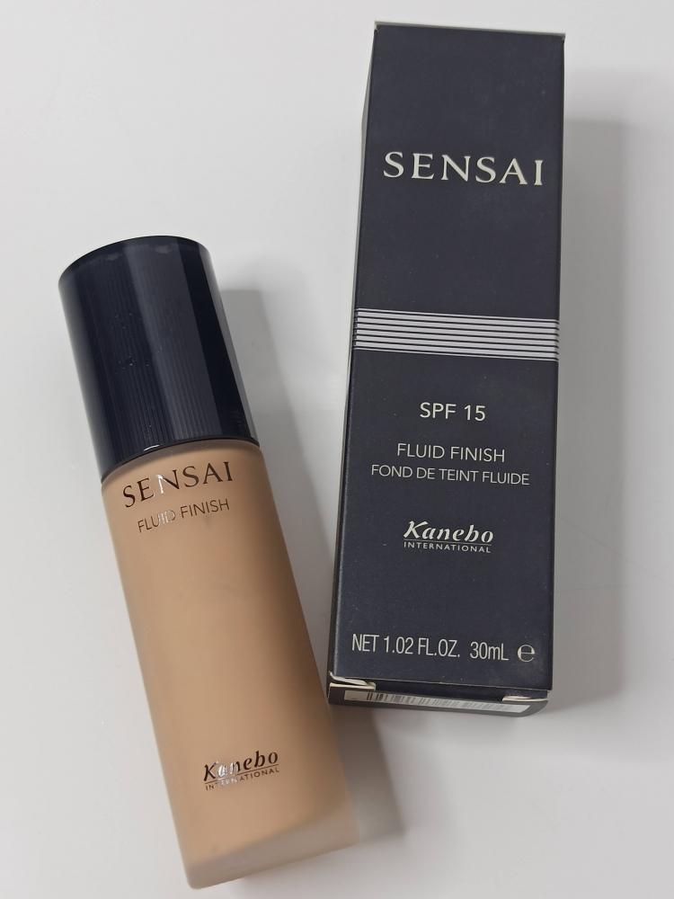 Base de maquillaje FF203 SENSAI Kanebo