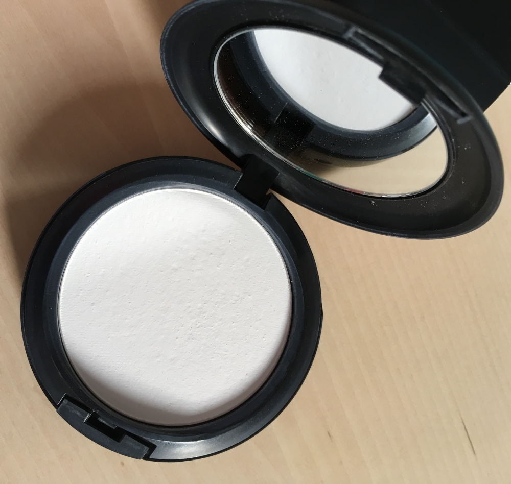Pack MAC Shivering White + Runway Hit