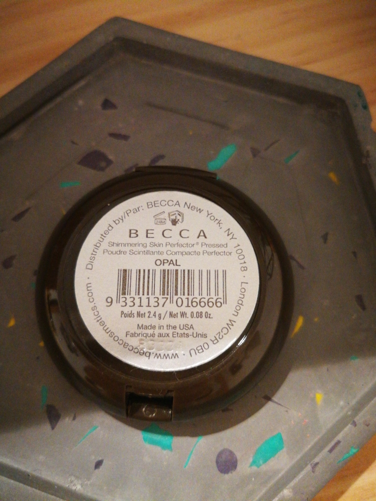 Iluminador Becca Opal