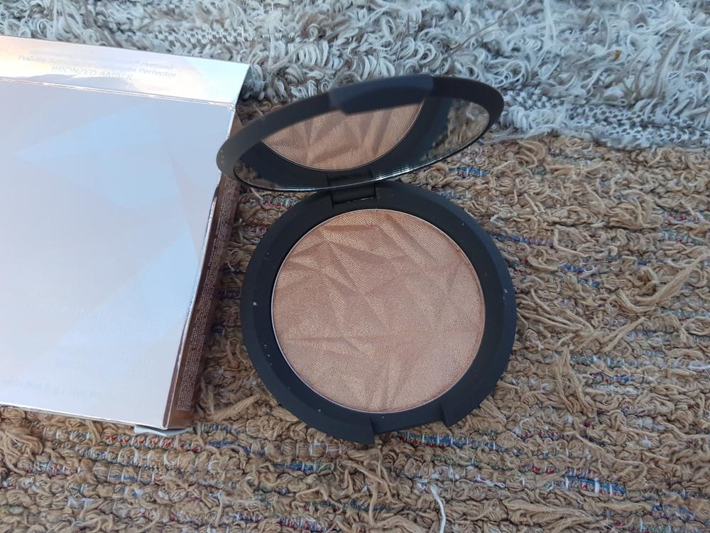 BECCA Shimmering Skin Perfector® Pressed tono Bonzed Amber