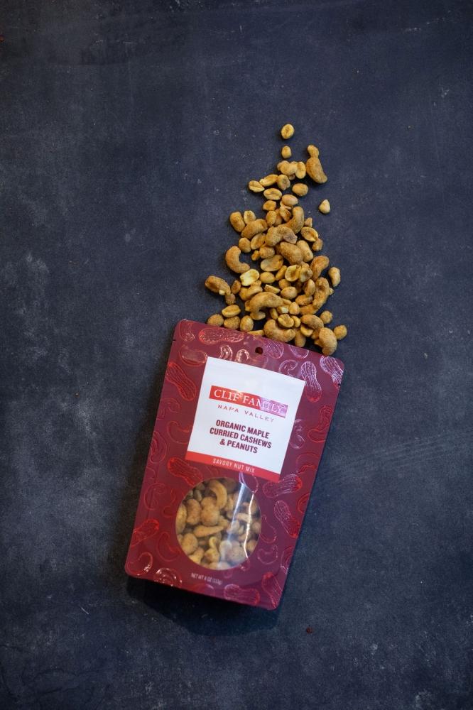 Organic Maple Curried Cashews & Peanuts 4oz (Case 12)