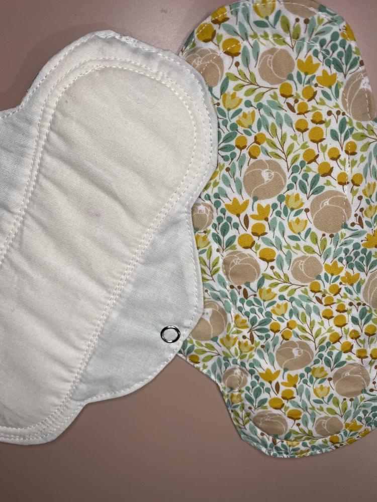 2 serviettes hygiéniques lavables