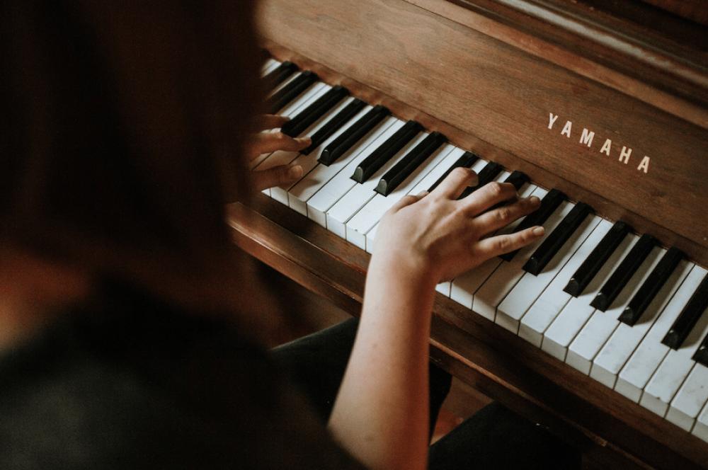 Cours de Piano : Jouez la musique que vous aimez - en ligne